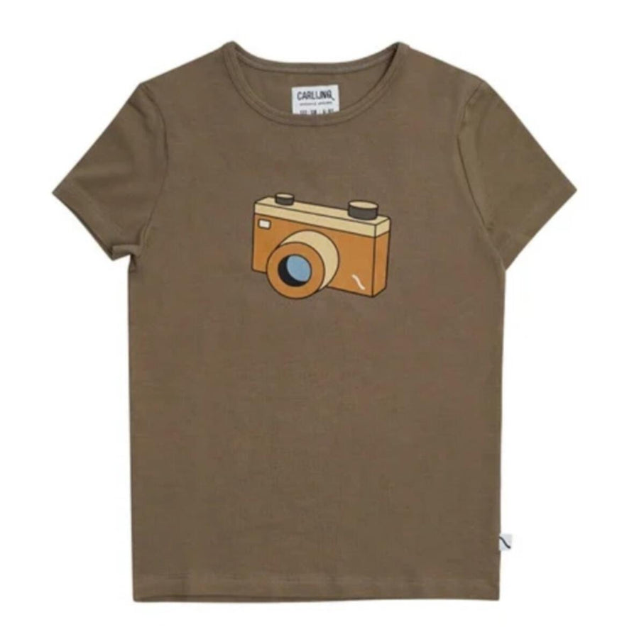 Photo Camera Print T-Shirt by Carlijnq