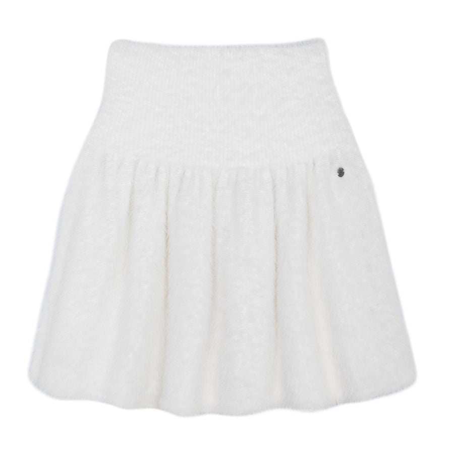 Fluffy White Skirt by Ustabelle