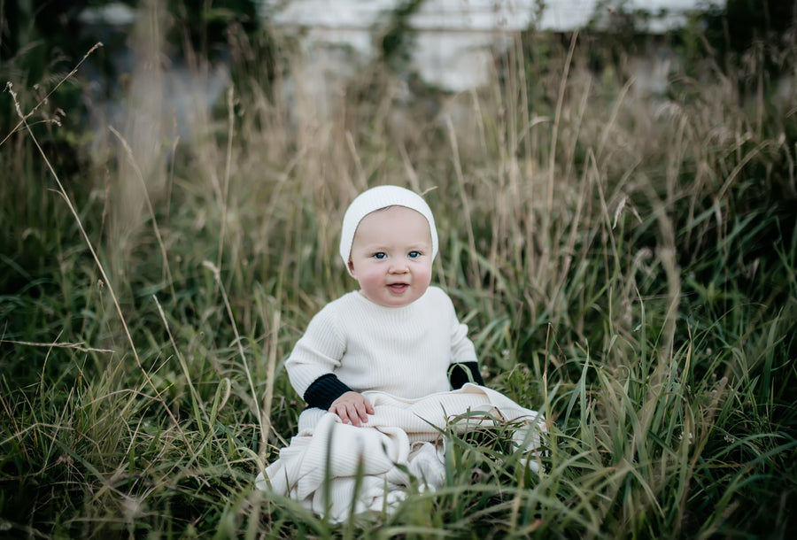Cream Colorblock Knit Footie and Bonnet by Bee and Dee