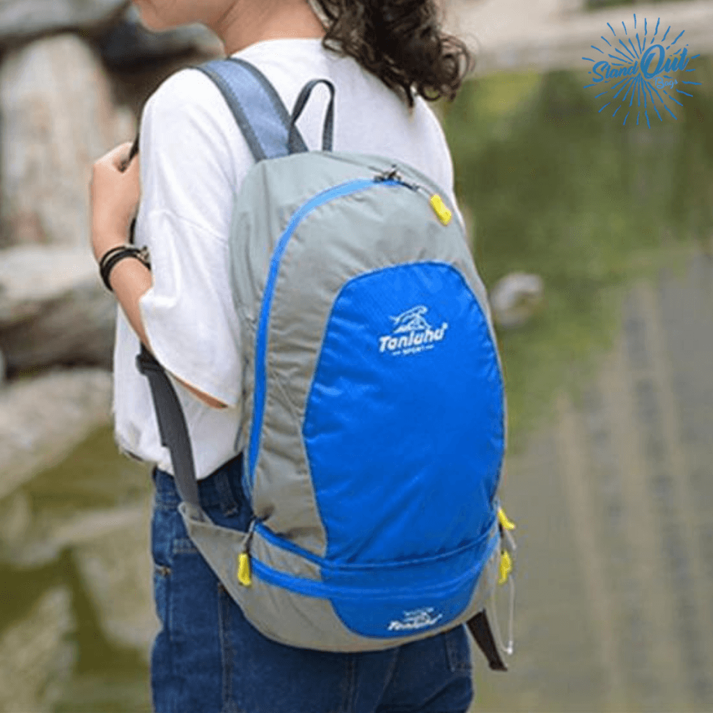 Girl wearing blue Packable Backpack Tanluhu Duo Daypack