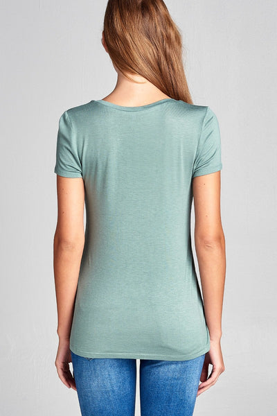 Ladies fashion short sleeve scoop neck top w/ pocket