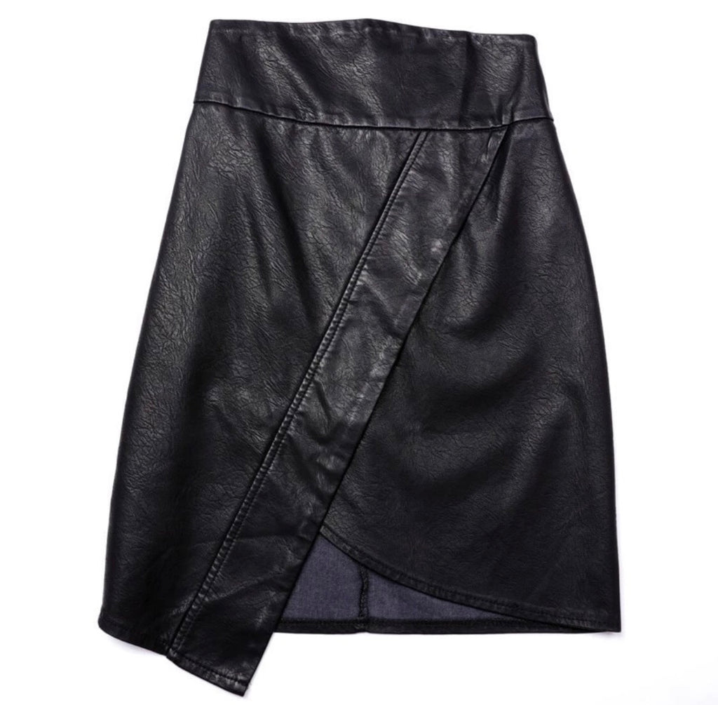 Tulip leather skirt