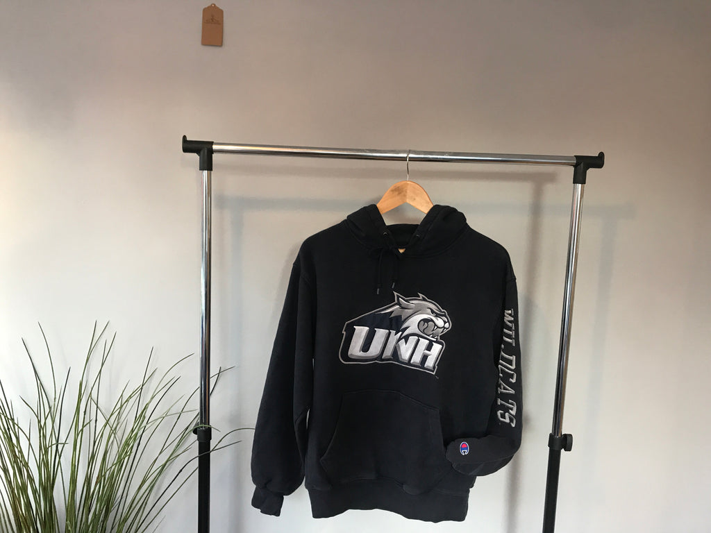 Champion UNH Wildcats Hoodie - Small - Vintage Society