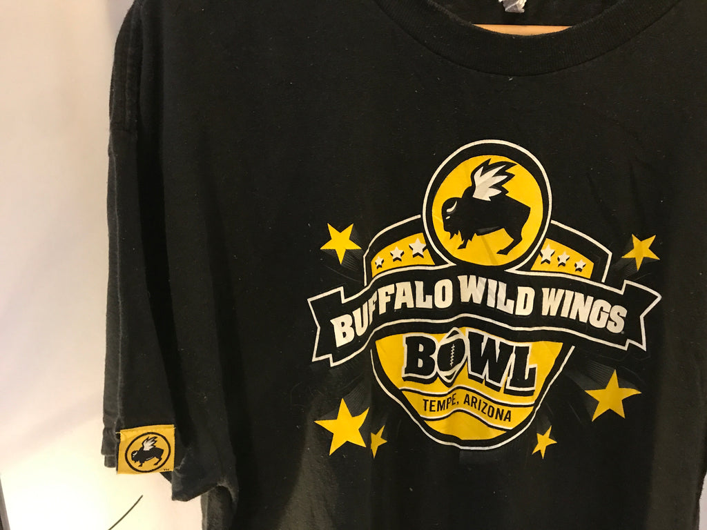 Buffalo Wild Wings Bowl Printed T-Shirt - Black - XL - Vintage Society
