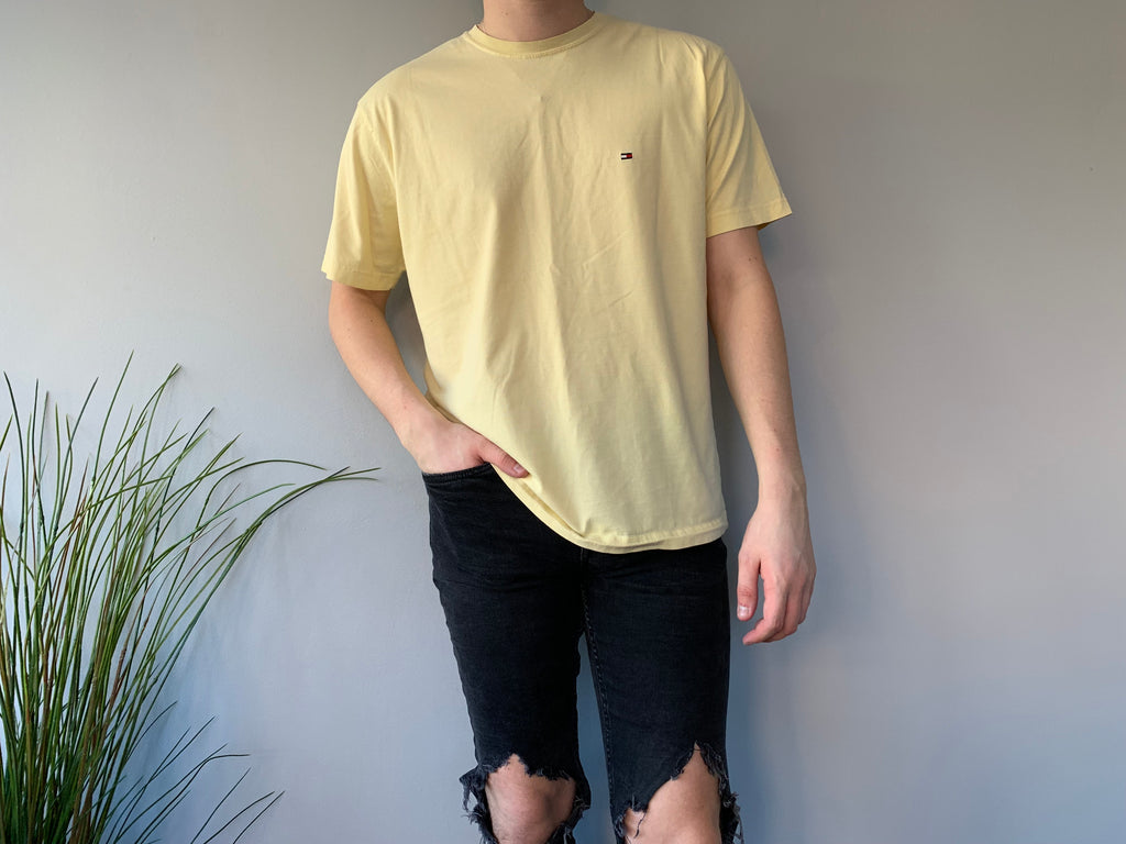 Tommy Hilfiger Yellow T-Shirt - Large - Vintage Society
