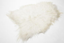 Load image into Gallery viewer, Icelandic Sheepskin - Barnscroft.com