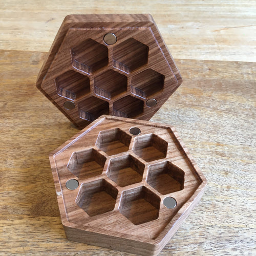 Wood Honeycomb Dicebox 🐝 -  RPG Dice Set, CritKit