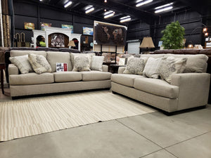 5532 FI-CnJ Sofa and Loveseat