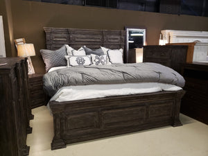 MAV FI Queen Bed Set