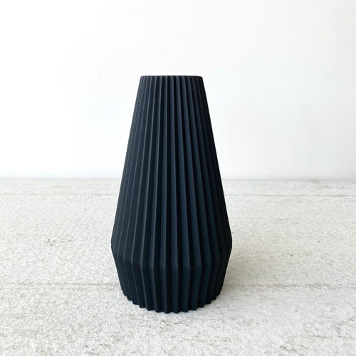 Black ridged vase, Contemporary, Scandinavian design, GRiNT, Serax for Olea Living