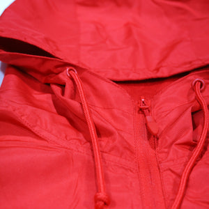LIGHTWEIGHT RED WINDBREAKER