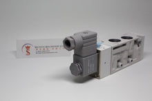 "Load image into Gallery viewer, Mindman MVSC-460-4E1 AC220V Solenoid Valve 5/2 1/2"" BSP (Made in Taiwan)"