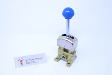 Load image into Gallery viewer, Parker Taiyo 4PN-20 Hand Lever Valve