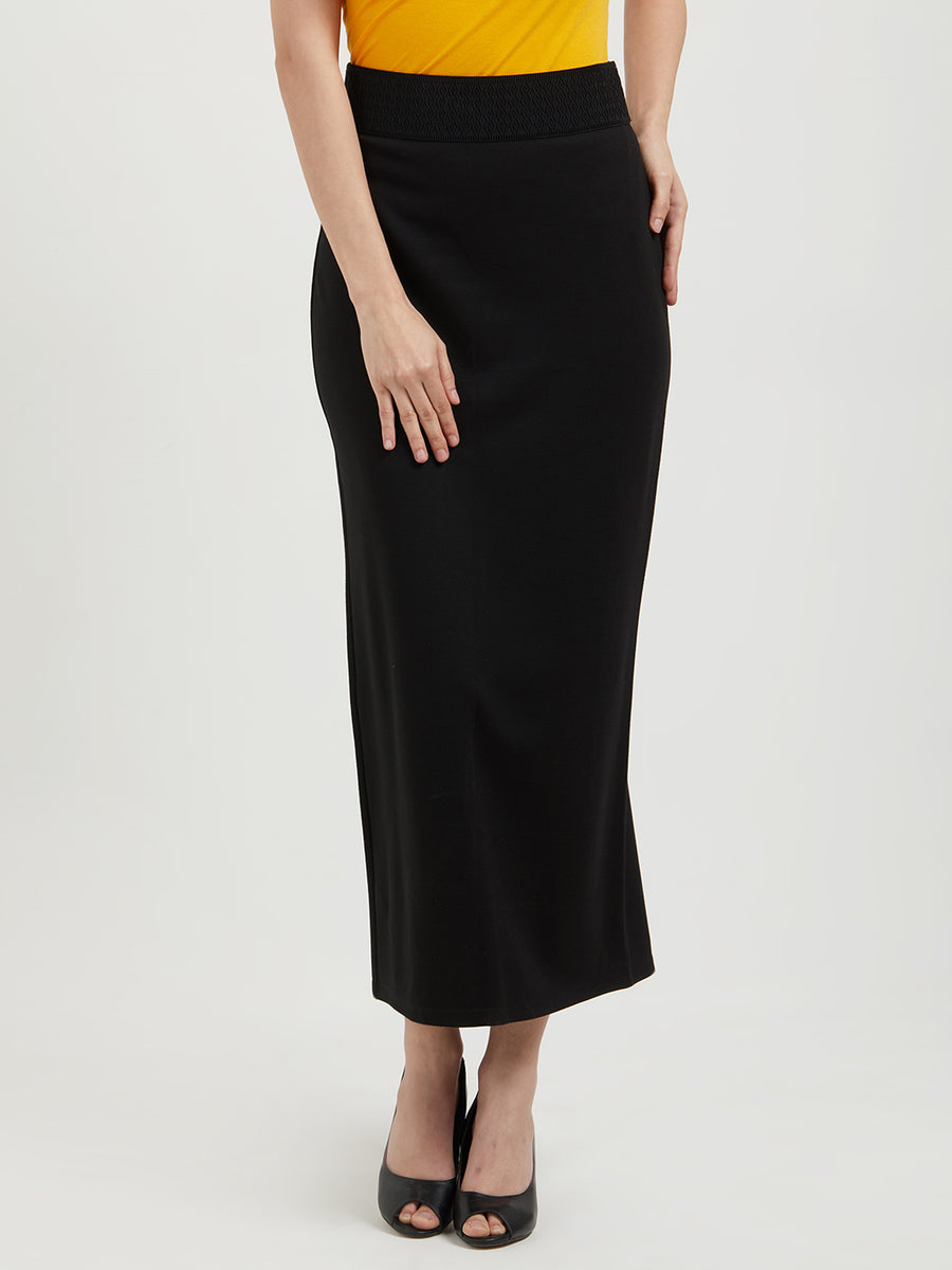 Black Solid Fitted Skirt