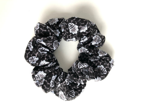Black and Gray Vine Scrunchie
