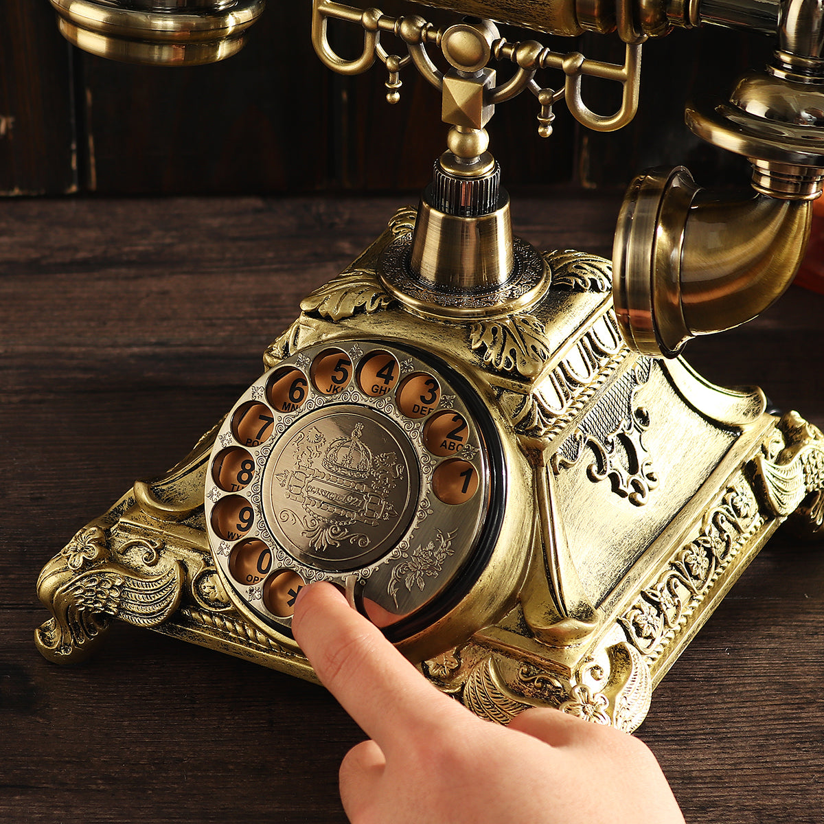 Beautiful-rotary-retro-vintage-desk-old-dial-up-phone