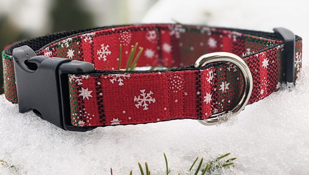 Red and Green Weaved Snowflakes