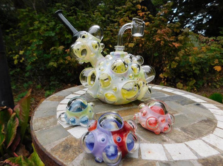 Scomomoanet bubbler and pendants