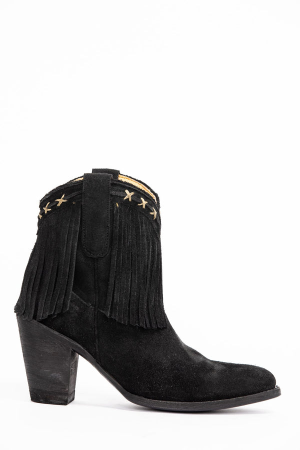 Swagger Western Booties - Pointed Toe - Black