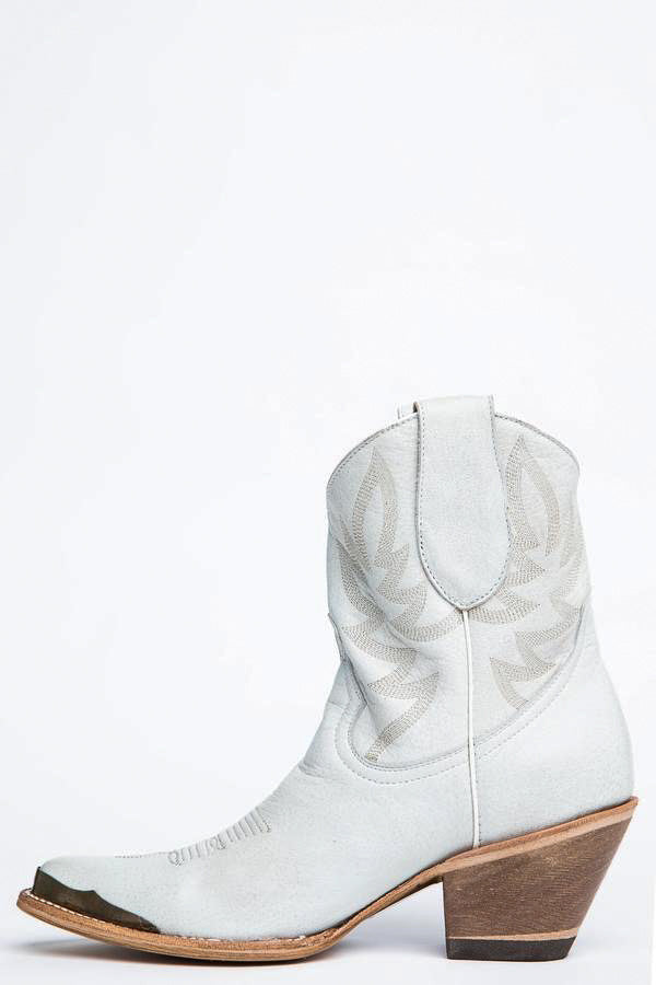Wheels White Western Booties - Pointed