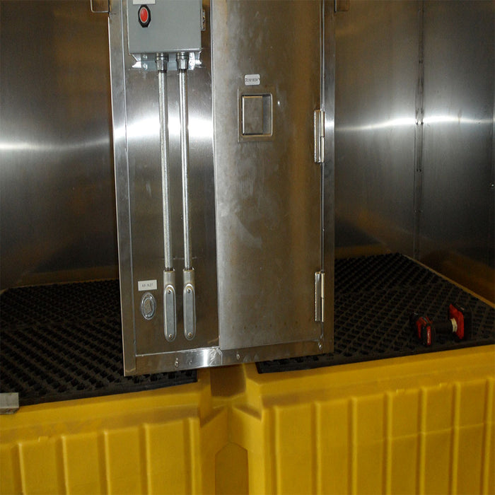 CWI Heated Dual Tote Lube Oil Reel Cabinet and Internal Containment