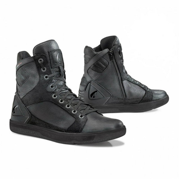 Forma Hyper Black Boots