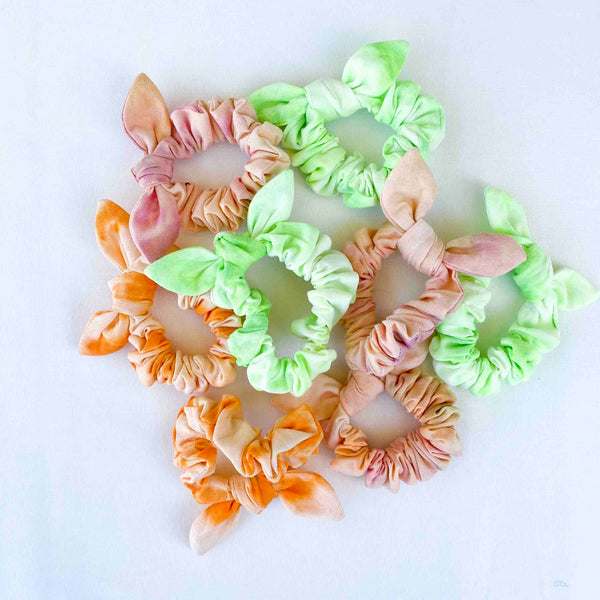 Bow Scrunchie // Creamsicle