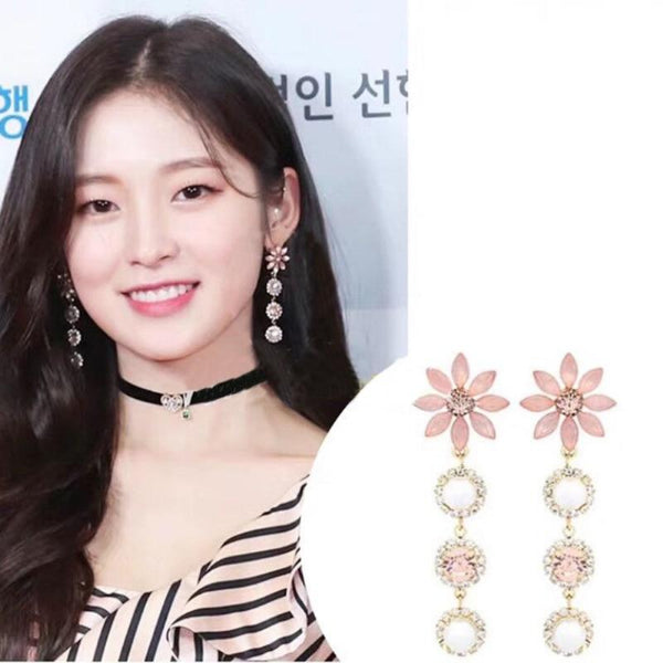 The Pure Flower Drop Earring