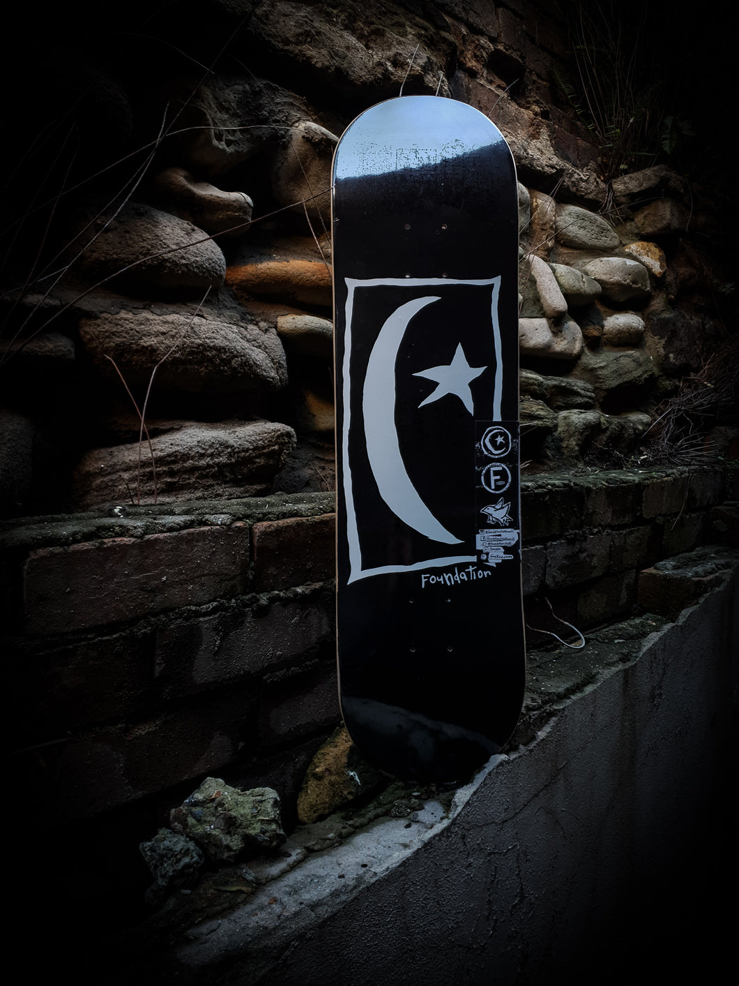 FOUNDATION - STAR AND MOON SQUARE BLACK DECK - 8.25