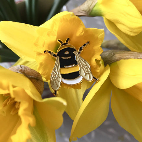 Bumble bee enamel pin badge