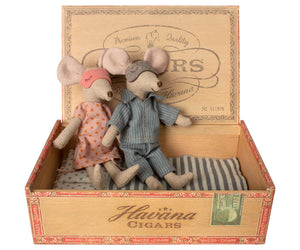 Mum & Dad Mice in Cigar Box- Maileg