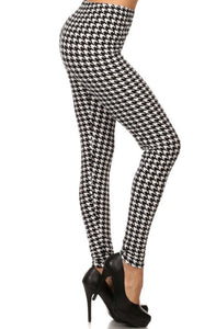 Leggings New With Tags Black White Houndstooth Buttery Soft One Size Fits 0-14