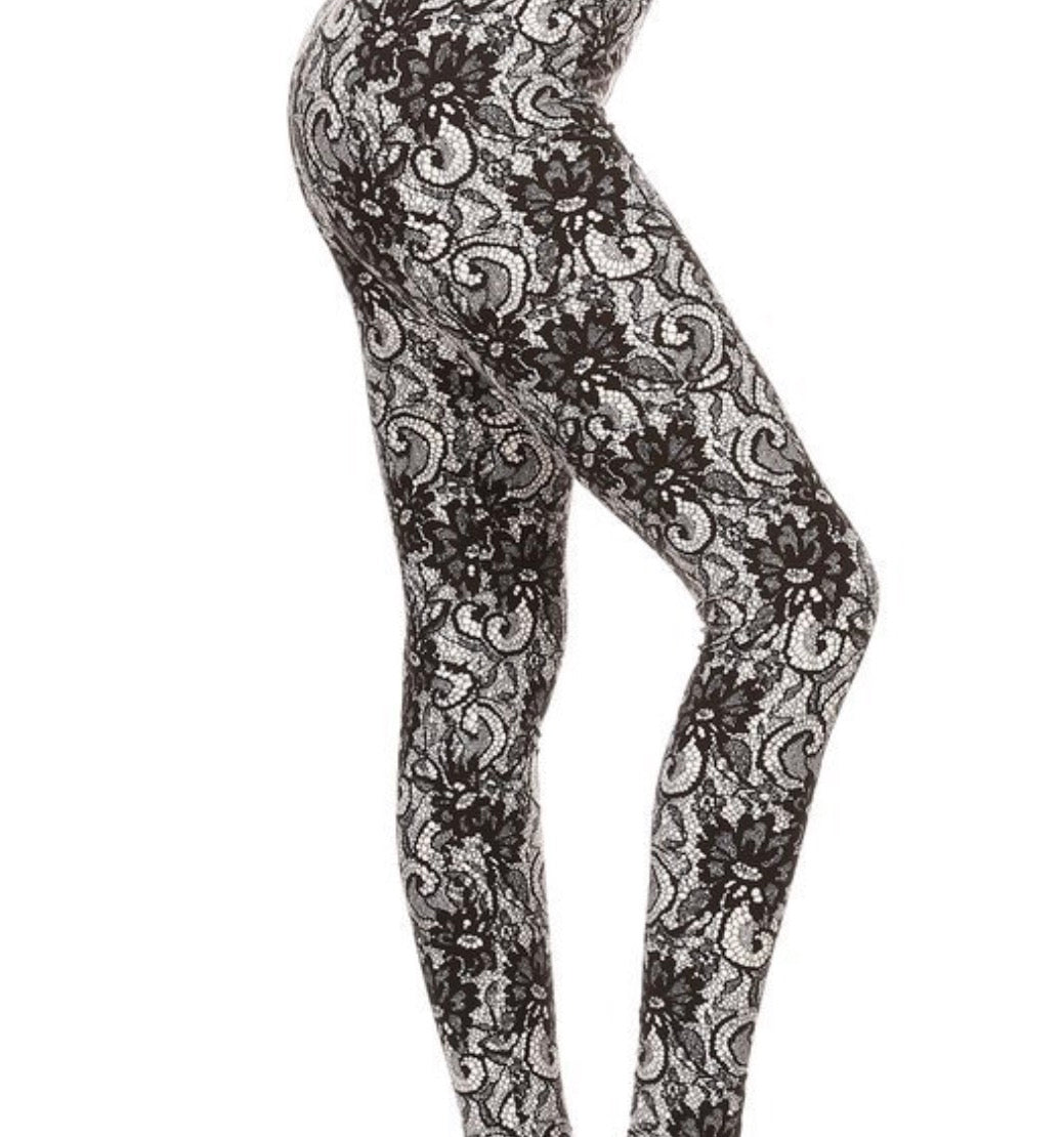 Leggings New With Tags Black White Lace Buttery Soft One Size Fits 0-14