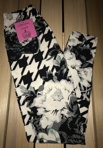 Leggings New With Tags Black White Floral Houndstooth Buttery Soft One Size Fits 0-14