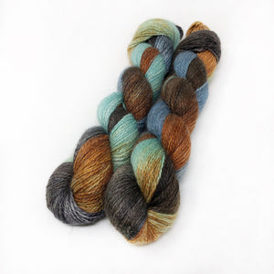 Solstice Fox - Alpaca Linen Silk DK weight 2 Ply