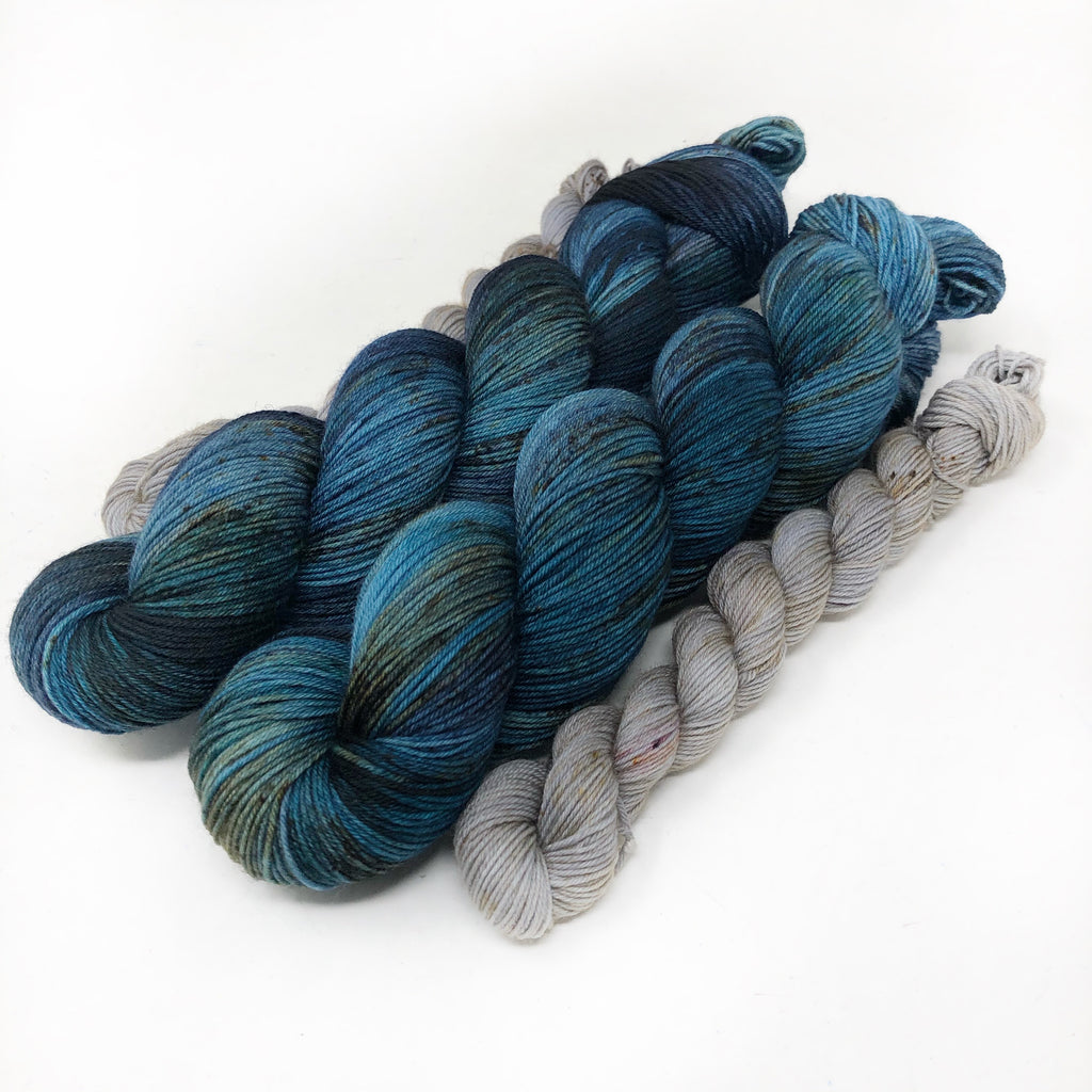 Blue Tides - sock yarn with mini