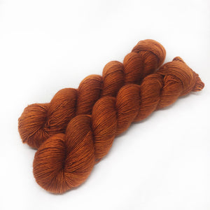 Foxy - 70/30 merino silk single ply