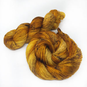 Hearth fire  - Shawl length skein - 600 yards