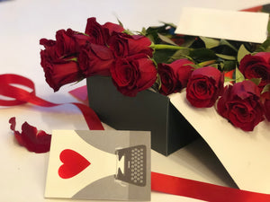One dozen premium rose in a box