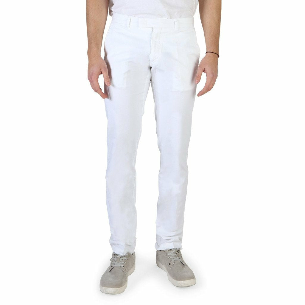 White button and zip fastened trousers with five pockets and logo details