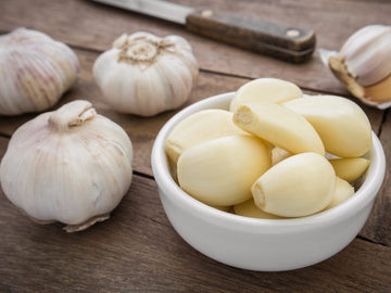 Organic Peeled Garlic