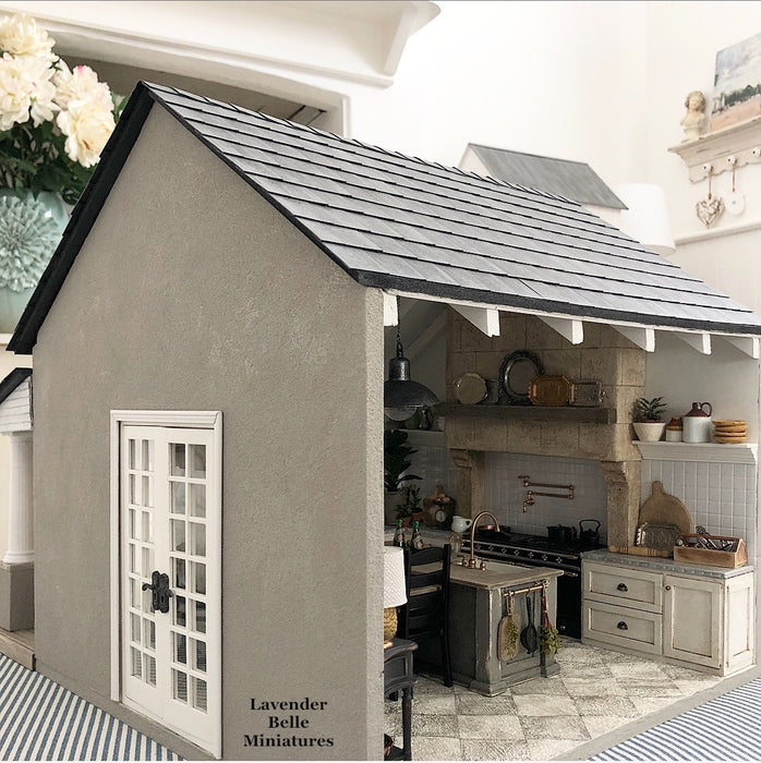 Stoneleigh Kitchen Roombox - 1:12 scale