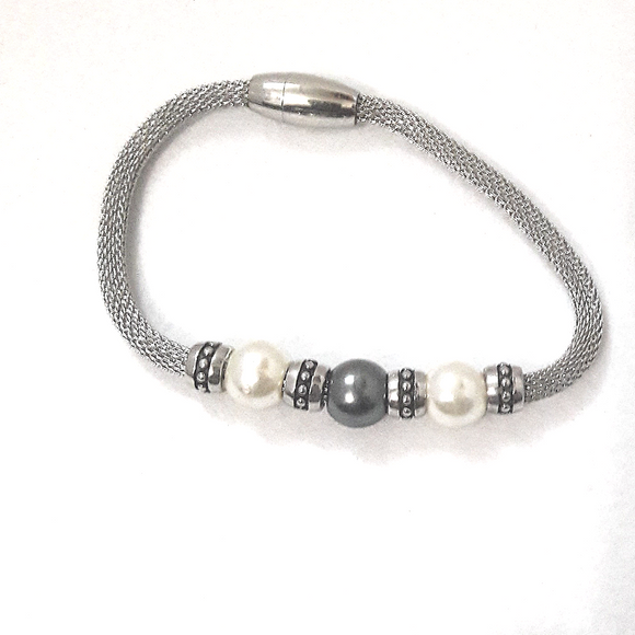 Pearl and Mesh Bracelet
