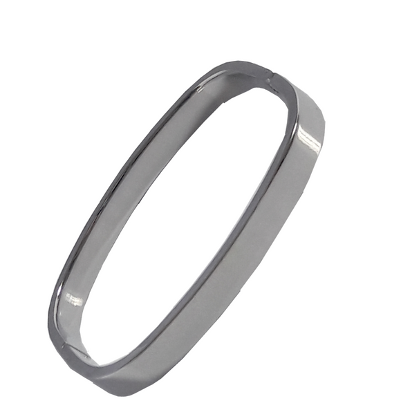 Gai Bangle in Silver (Slim Wrist Size)