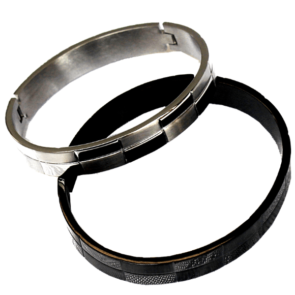 Sol Bangle in Black