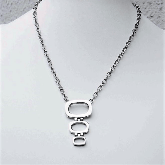 Quadrat Necklace