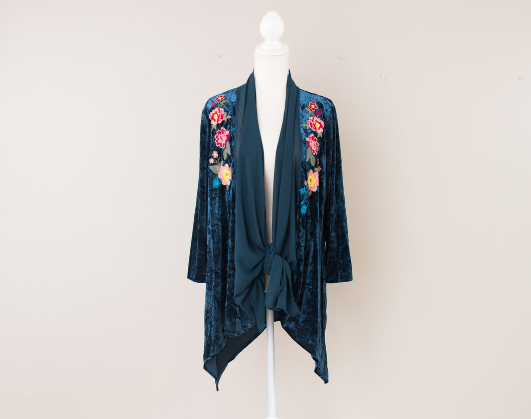 Blue Velvet Shirt with Flower Stitching