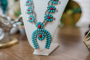 Turquoise and Red Accent Horse Shoe Necklace