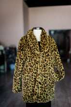Load image into Gallery viewer, Green Leopard Print Faux Fur Coat