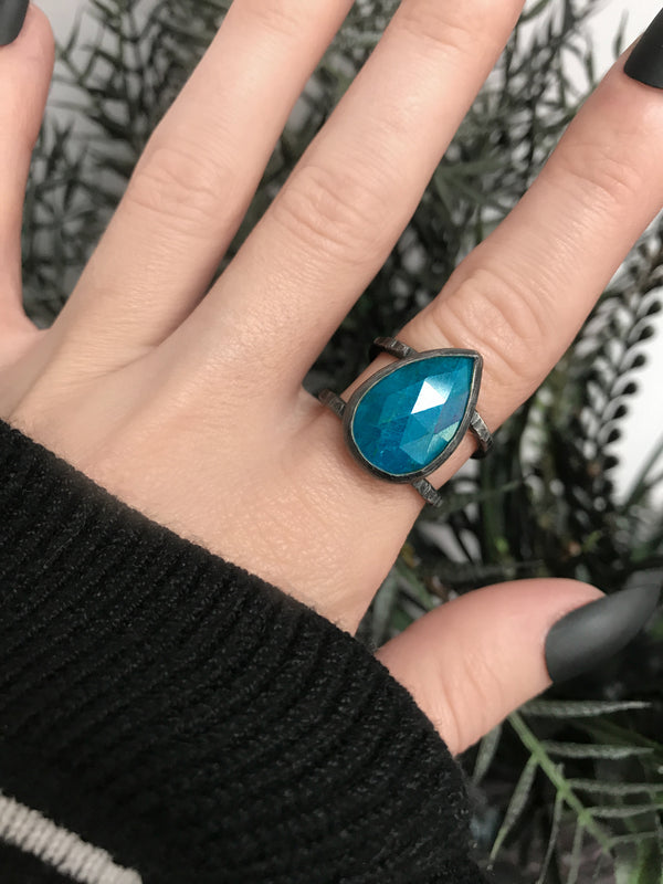 Apatite Orbit Ring